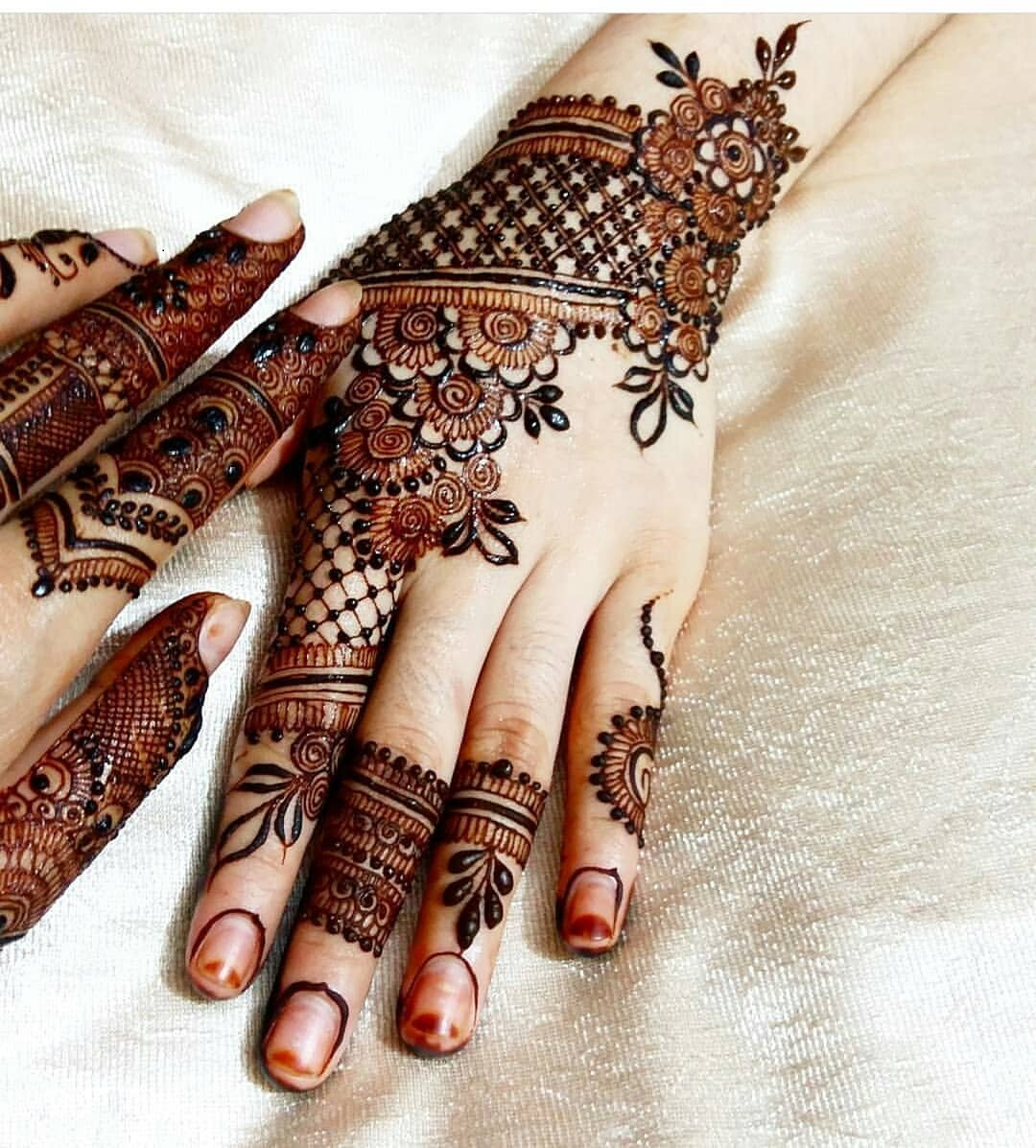 Arabic Bridal Mehndi Designs Wallpaper