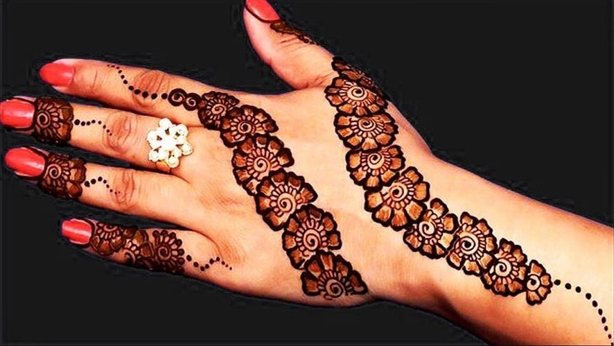 Simple Arabic Mehndi Designs For Back Hands Full with Flowers