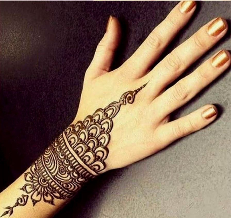Simple Arabic Design for Back Hand