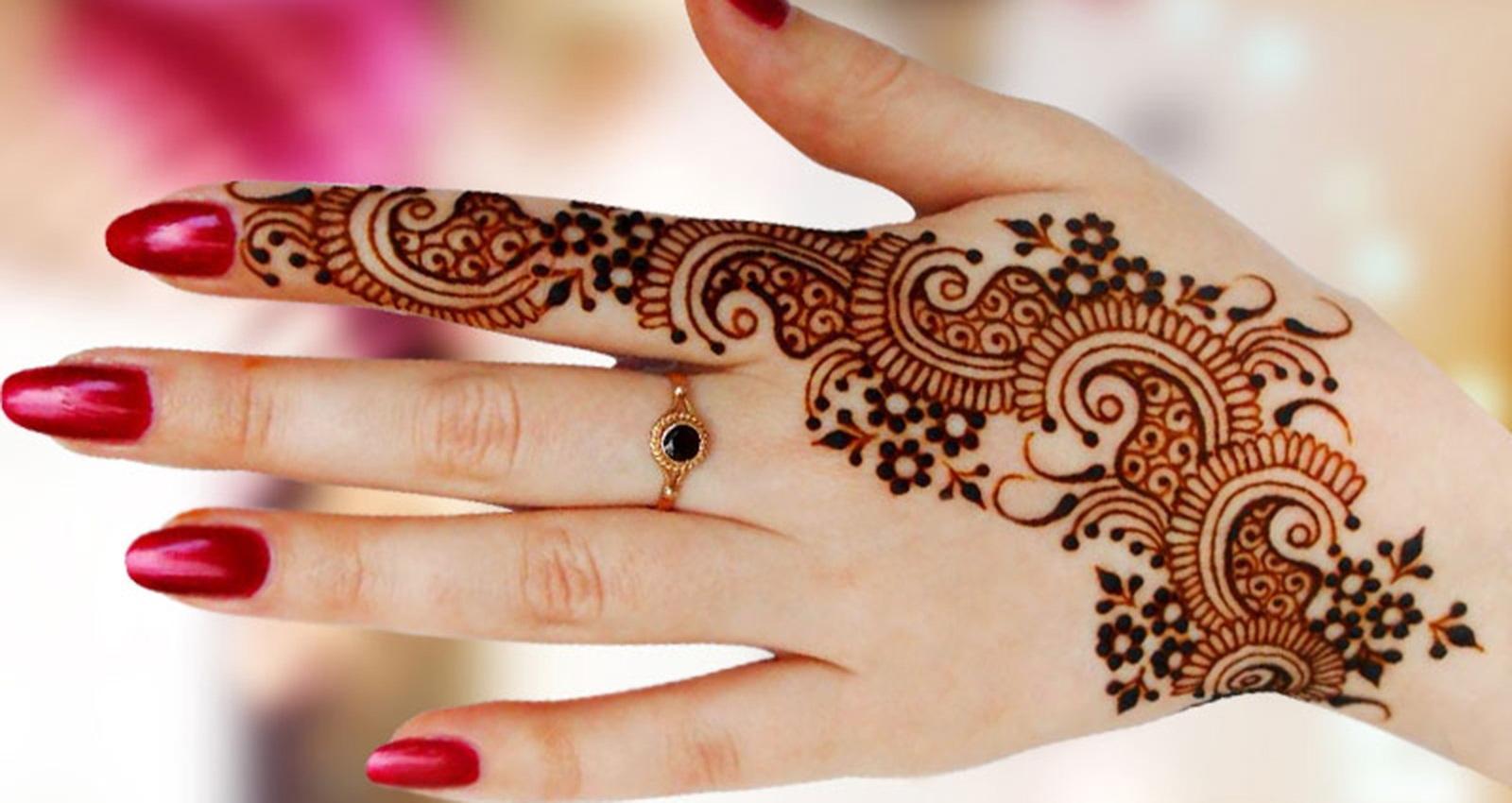 Arabic Back Hand Mehndi Designs