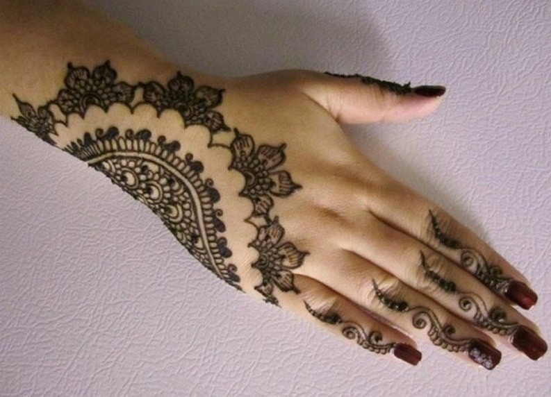 Mehndi Hands Designs : Selected & beautiful arabic mehndi designs for back hands