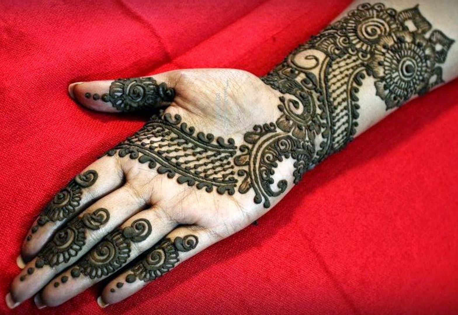 Mehndi Easy Design : Front hand arabic mehndi designs for stylish girls women simple