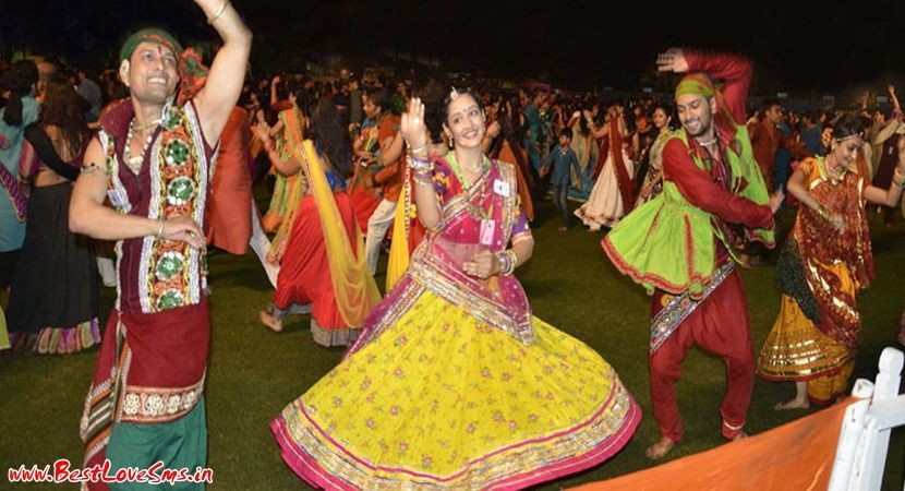 Cute Girls Dancing on Garba