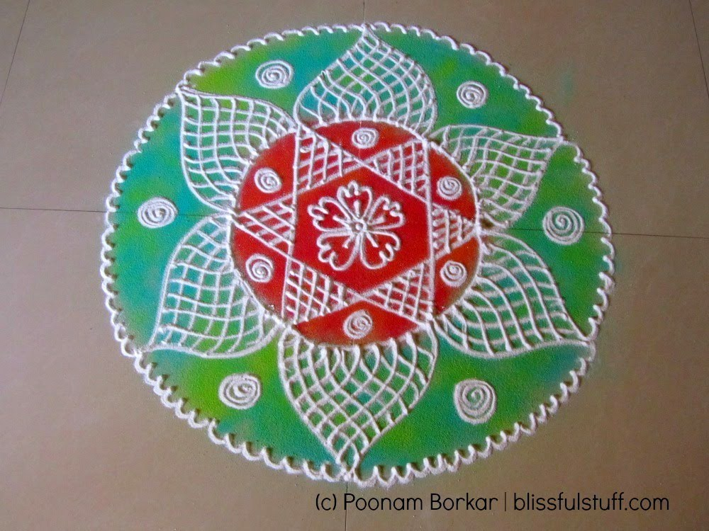 Free Hand Rangoli Designs in Round Shape