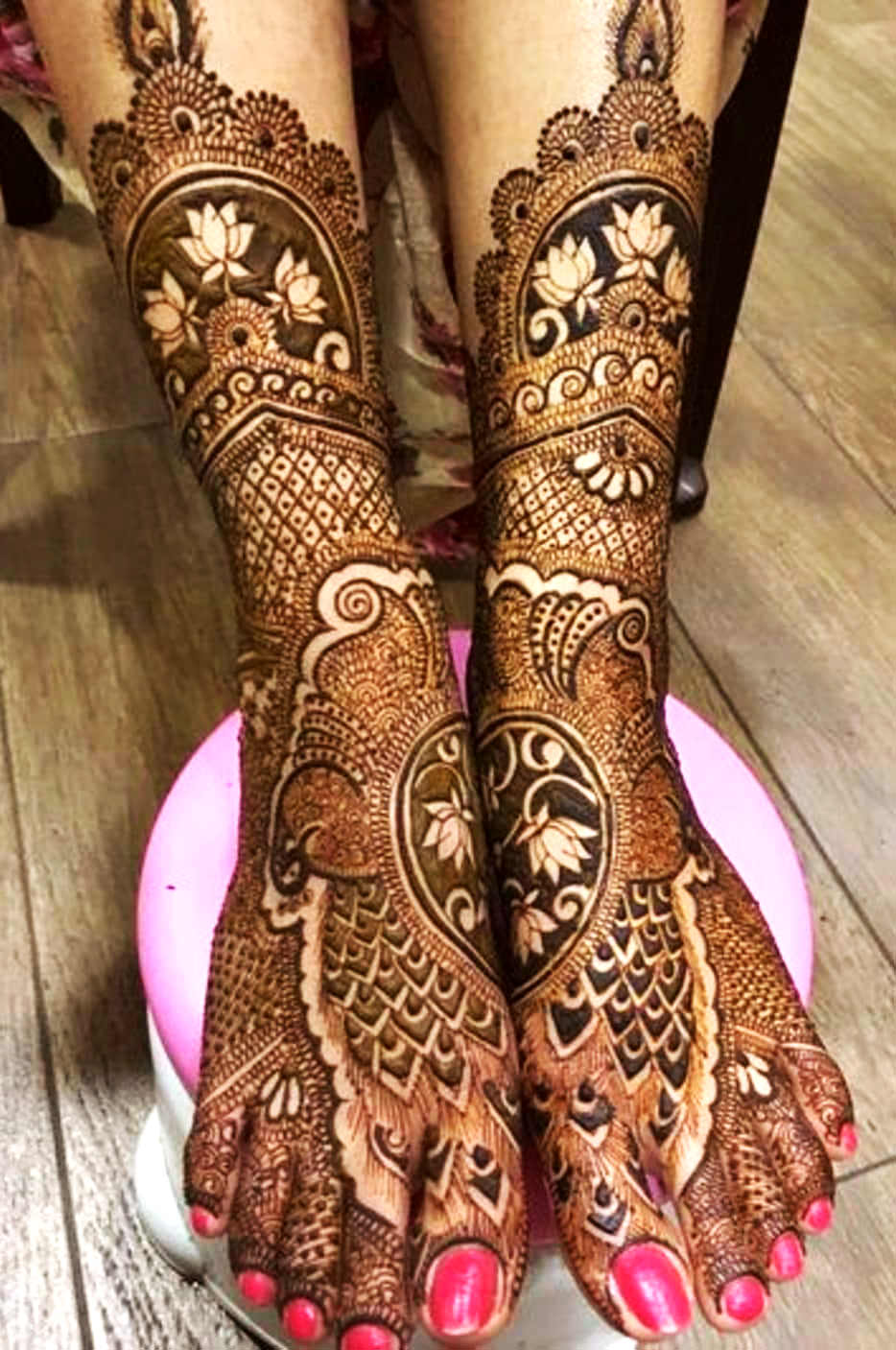 Bridal Mehndi Design For Feet