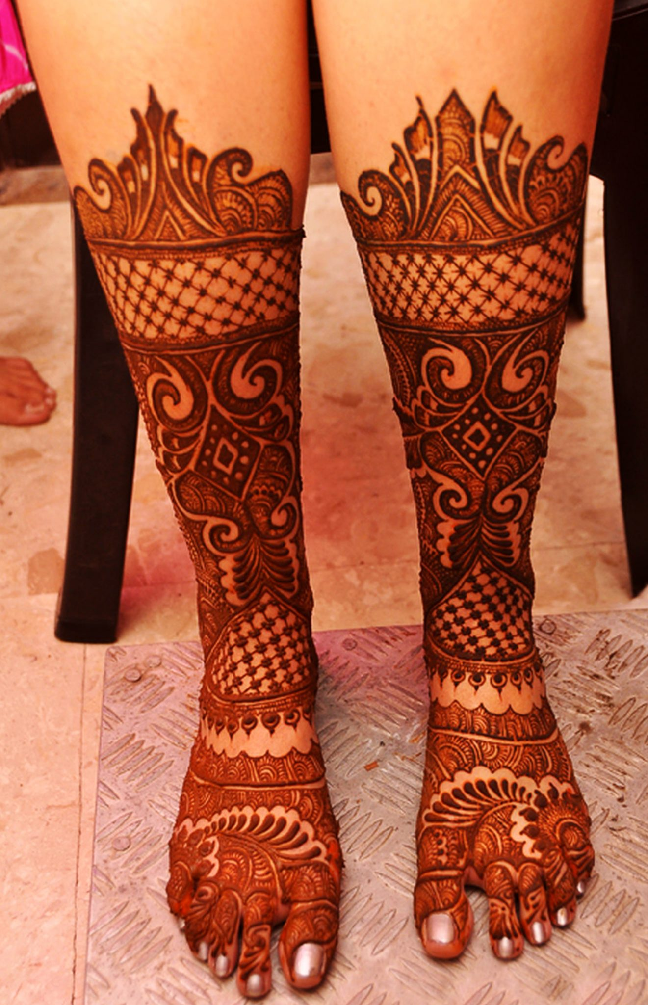 Full Legs Bridal Mehndi Design