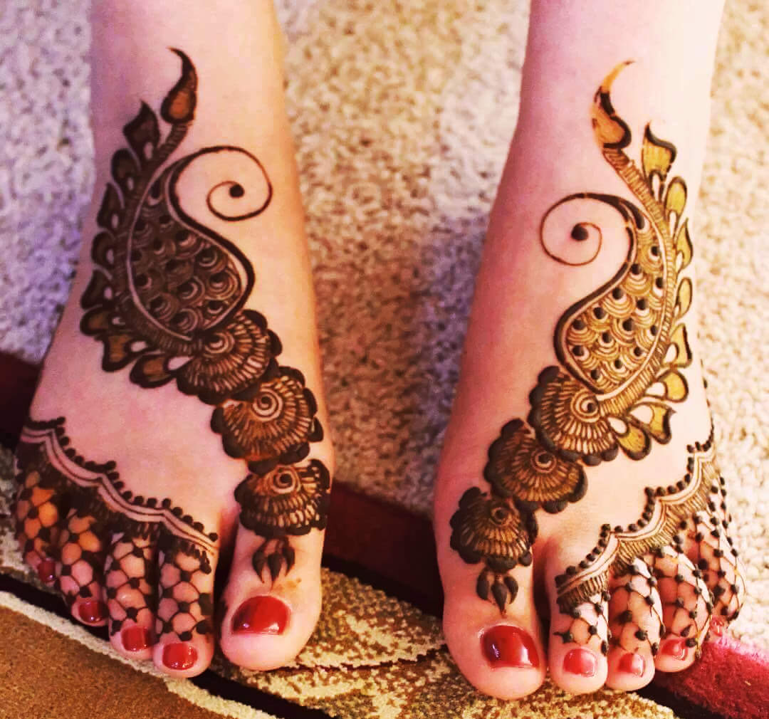 Arabic Bridal Mehndi Designs For Legs