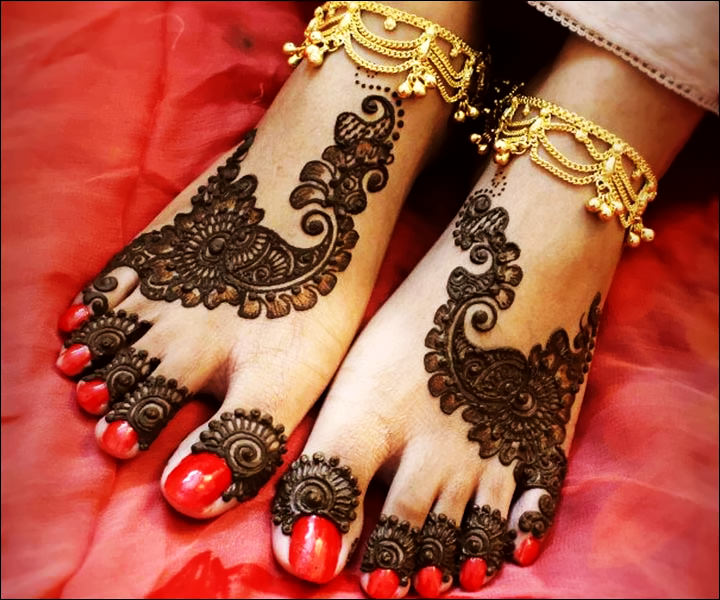 Arabic Dulhan Mehndi Designs For Legs