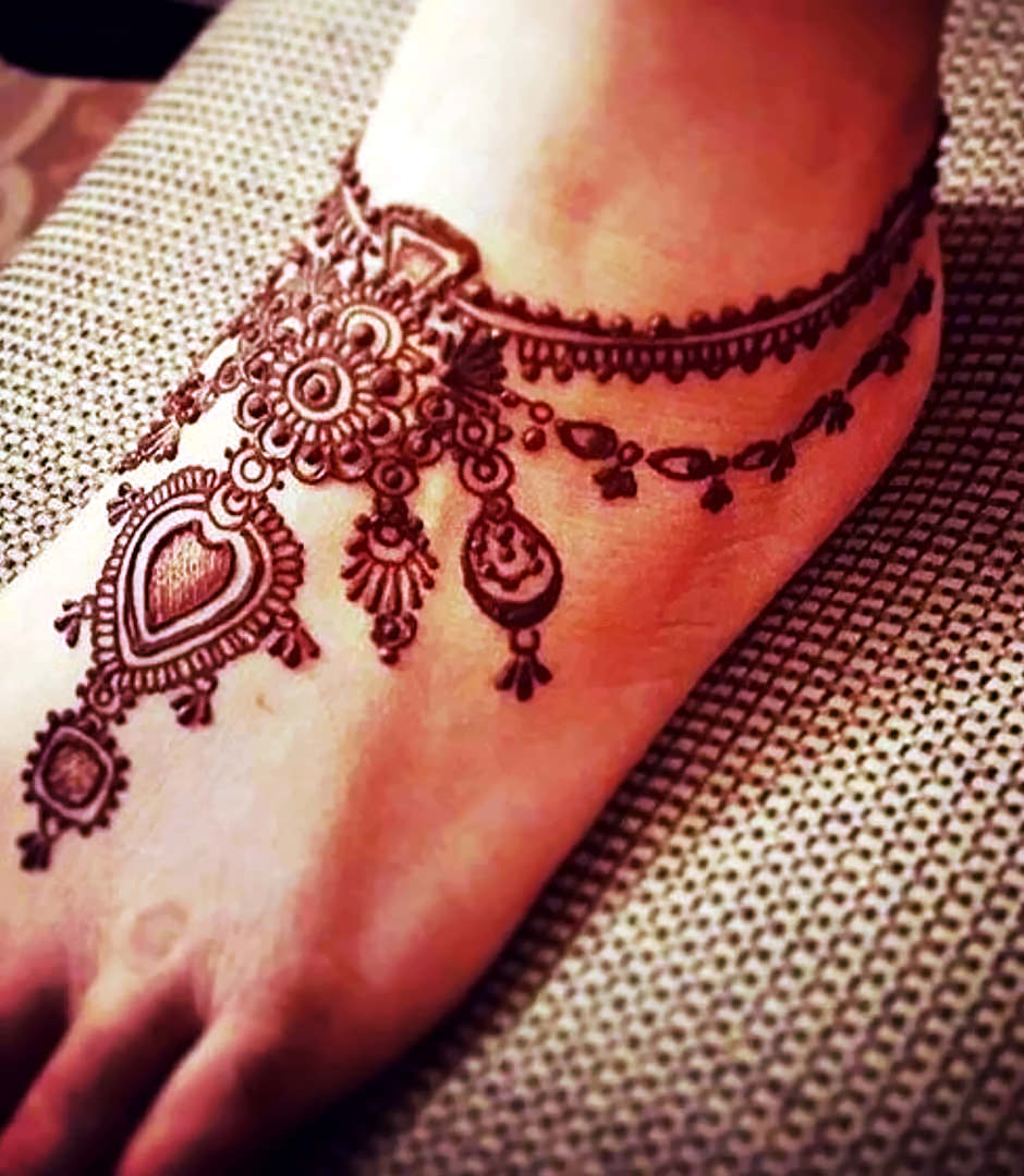 Arabic Leg Mehndi Design for Ankle