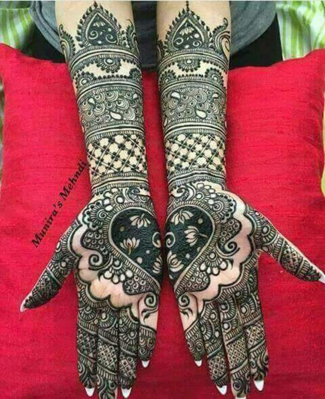 Full Hand Mehndi Design for Bridal Hands