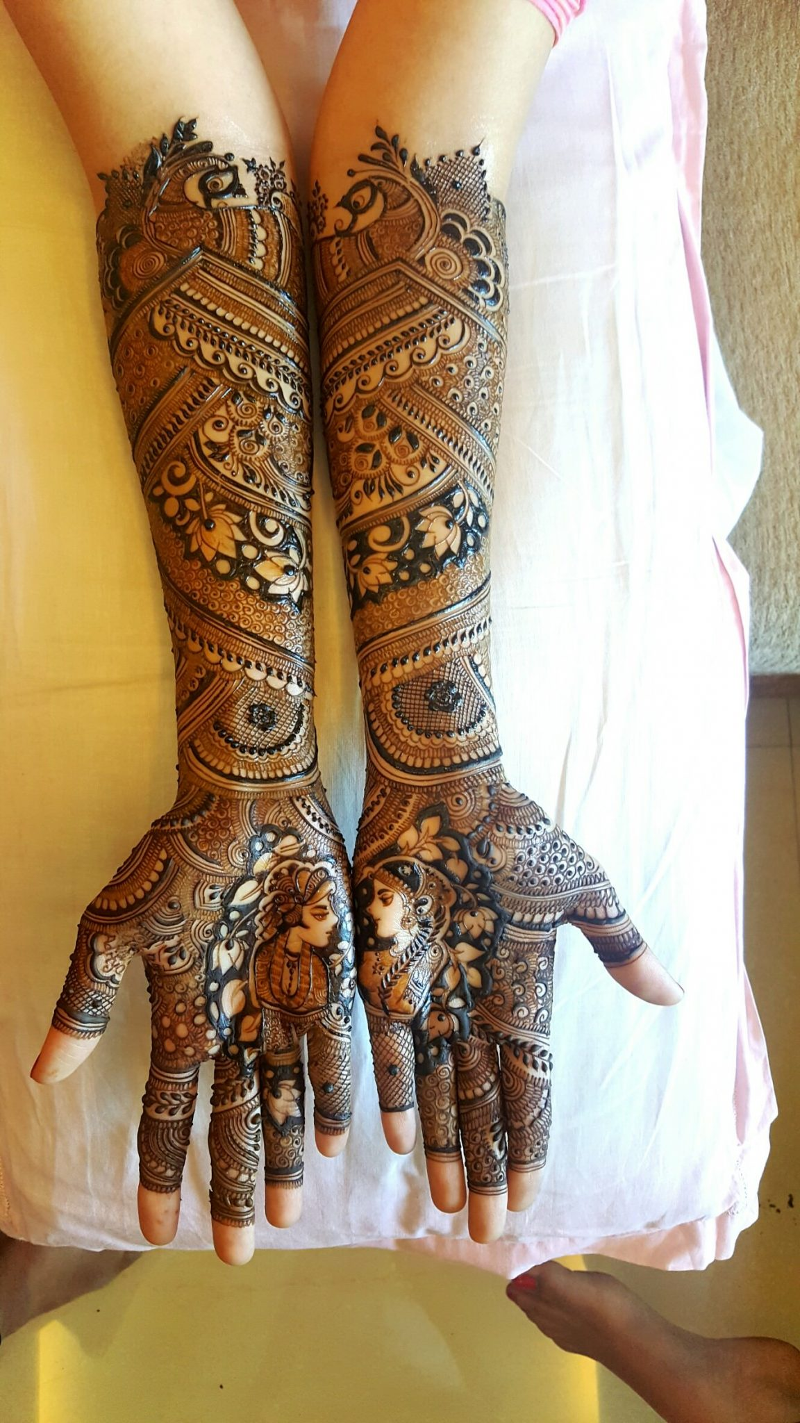Full Hand Mehndi Design for Bridal