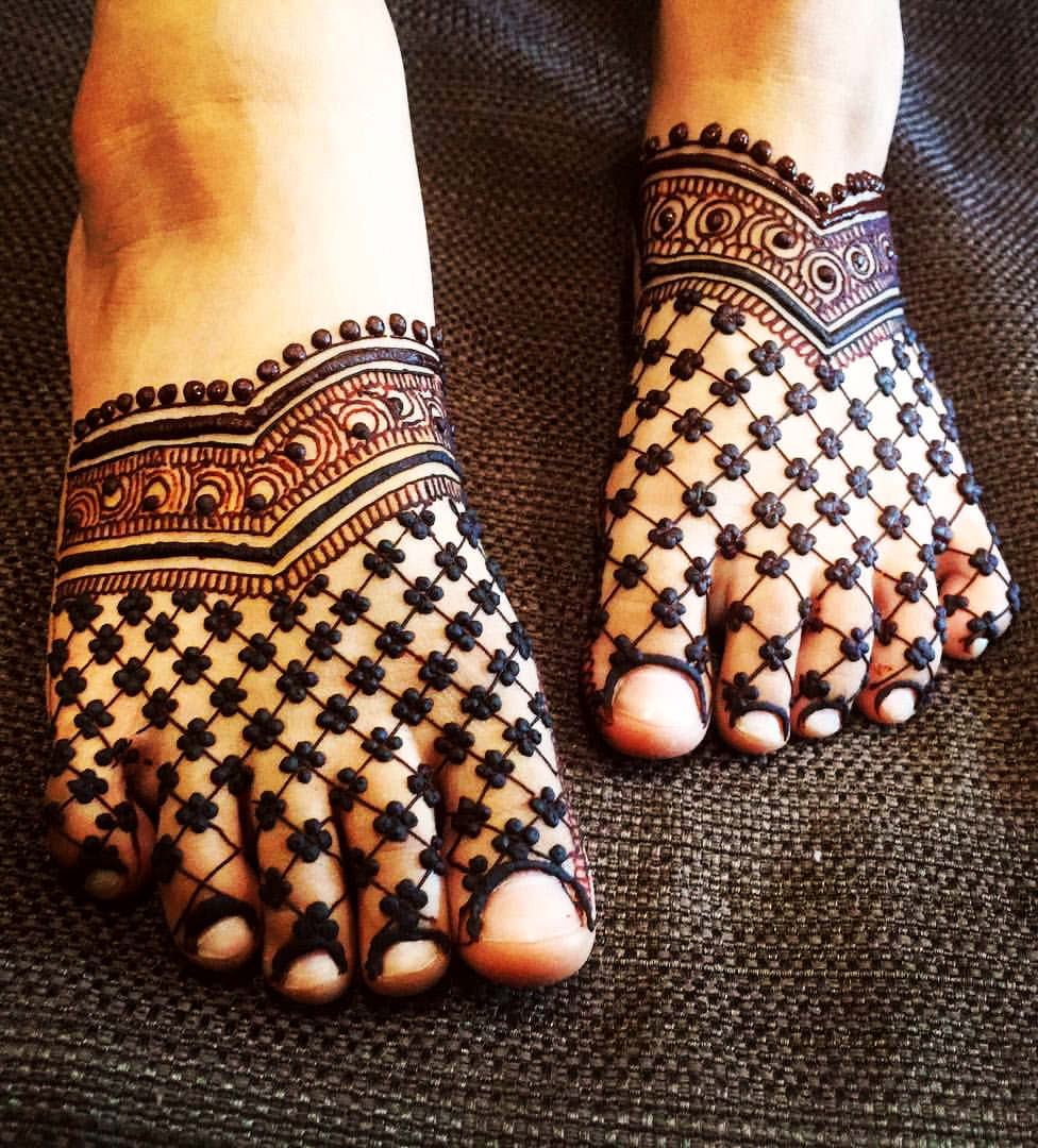 Mehndi Designs for Karva Chauth Legs