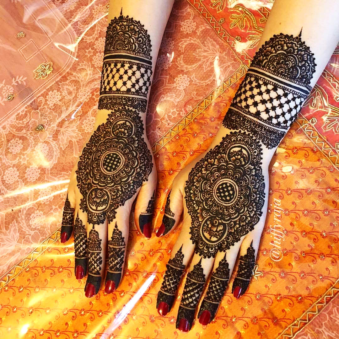 Modern Mehndi Design for Bridal