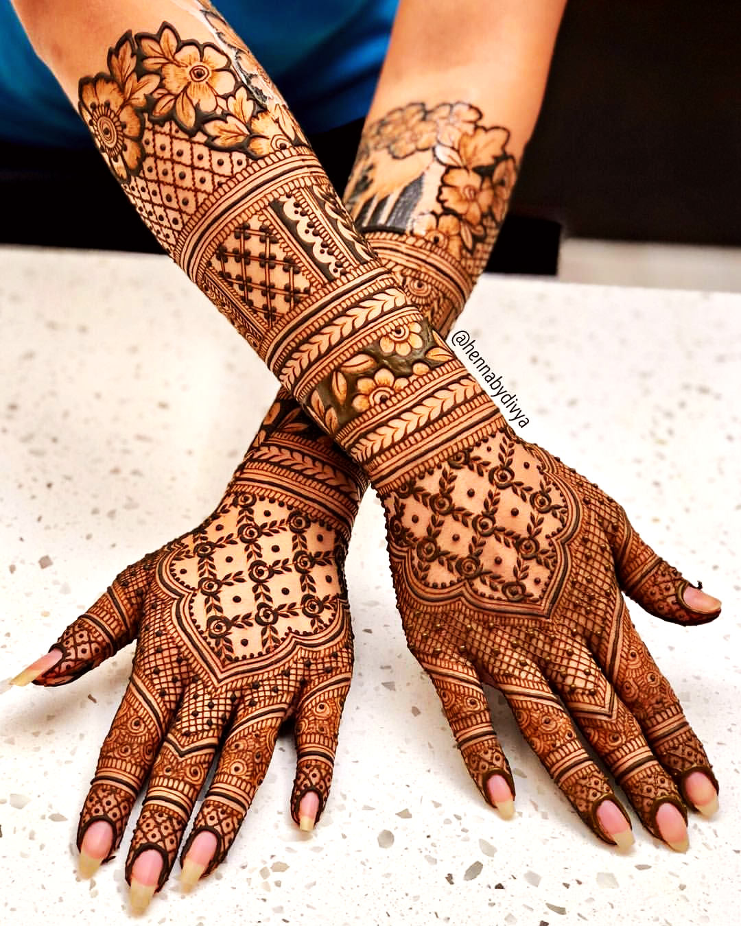 New Mehndi Design for Bridal Hand