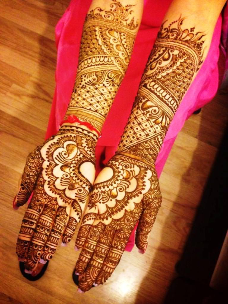 Simple Mehndi Designs For Full Hands