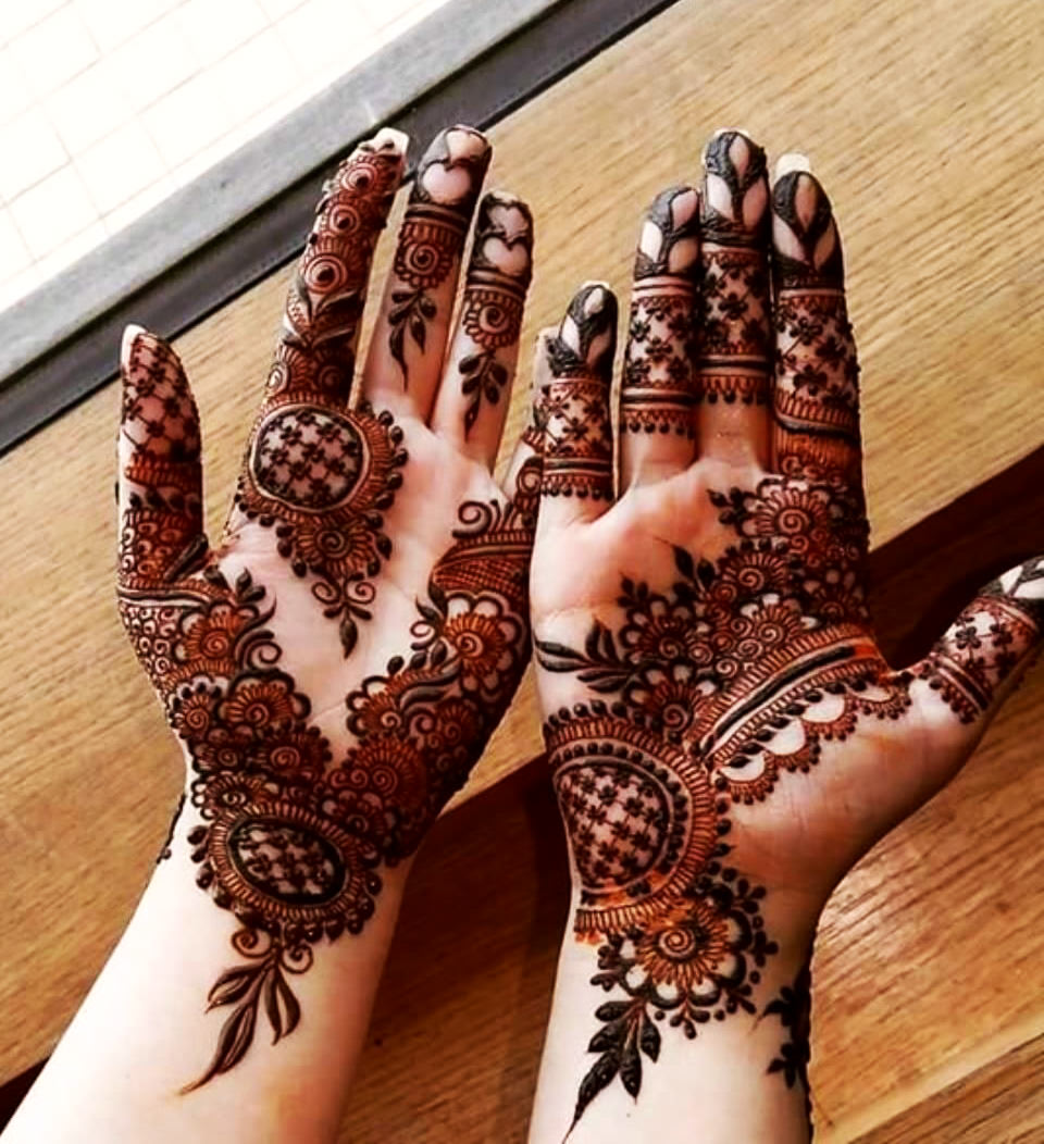 Stylish Karwa Chauth Mehndi Designs